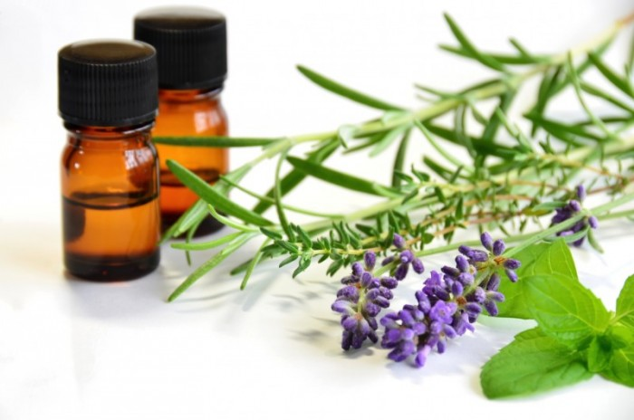 4 Essential Oils for Positive Body Image